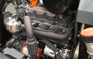 Moteur Kubota diesel 50 cv broyeur de branches XR8 FÖRST
