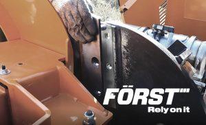 Changer les couteaux d'un broyeur de branche FÖRST
